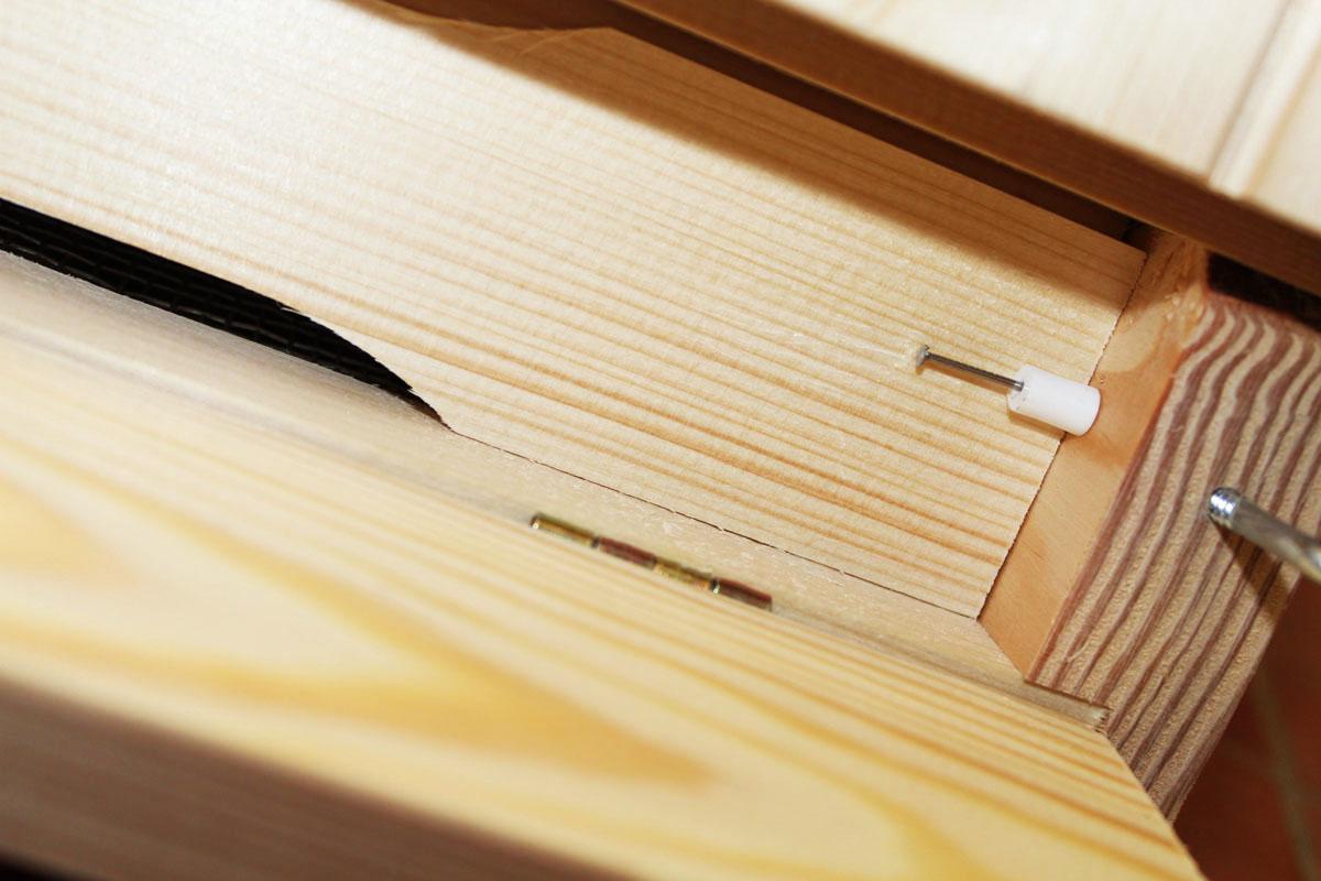 Dřevěné Varroa celozasíťované dno 1